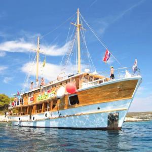 MS Fanatics - Category A Boat (MS Otac Duje or similar)